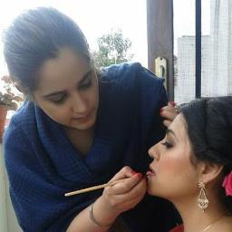 Makeup by Gursheen Profile Pic