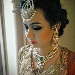 Roopali Agrawal Profile Pic