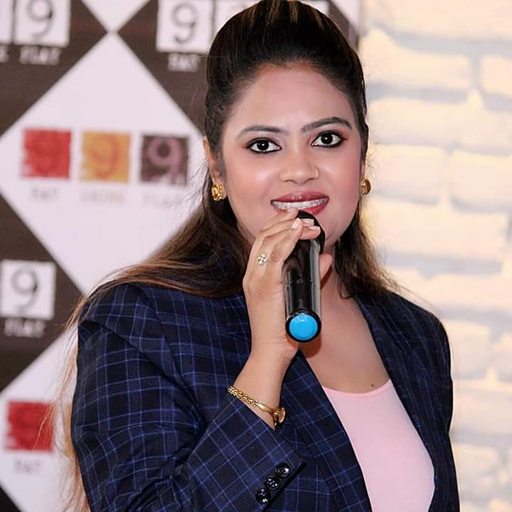 Anchor Preeti Saxena Profile Pic
